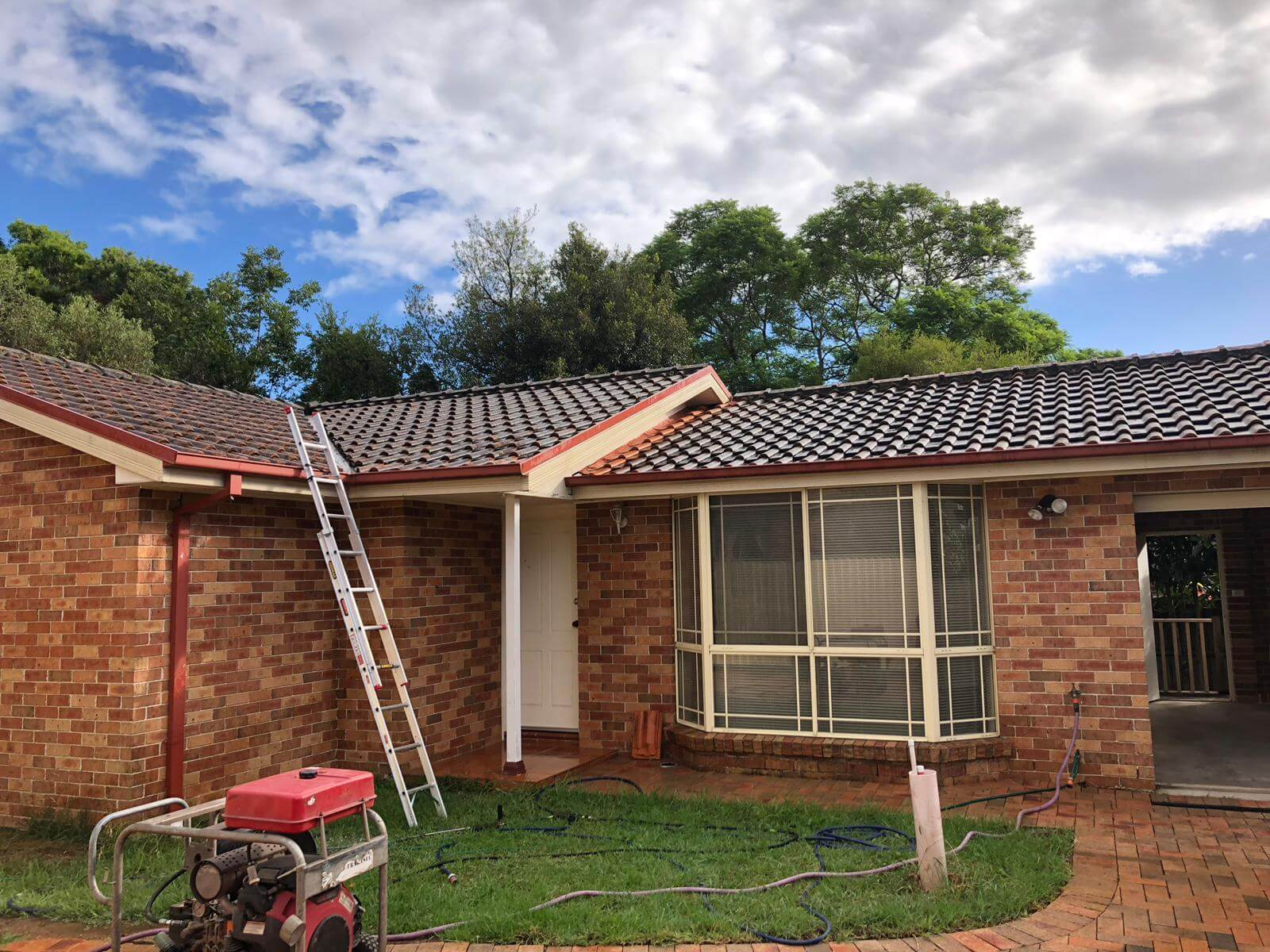 Affordable and professional Roof Hi-Pressure Cleaning In Sydney, Gladesville, Ryde & Epping